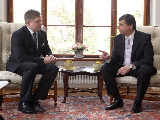Setkání premiérů v Sezimově Ústí.