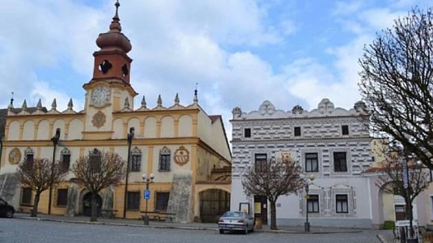 Stará radnice ve Veselí nad Lužnicí na náměstí TGM.