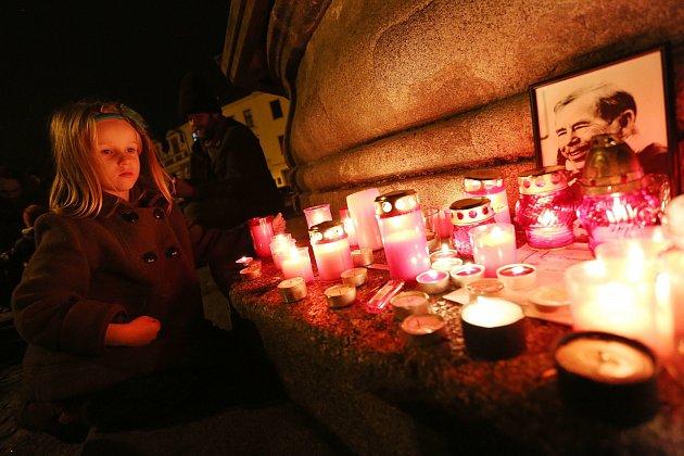 Vzpomínka se svíčkou v Táboře.