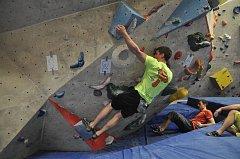 Do Sezimova Ústí dorazili na umělou lezeckou stěnu Wall Club příslušníci vojenských útvarů ze všech koutů České republiky.