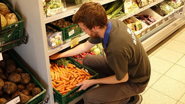 Zaměstnanci hypermarketu Albert v Táboře strávili středu 16. října dopoledne ve jménu zdraví a správného a vyváženého životního stylu. Během Dne zdraví se zaměstnancům prodejny v Soběslavské ulici věnovali odborní lektoři a trenéři.