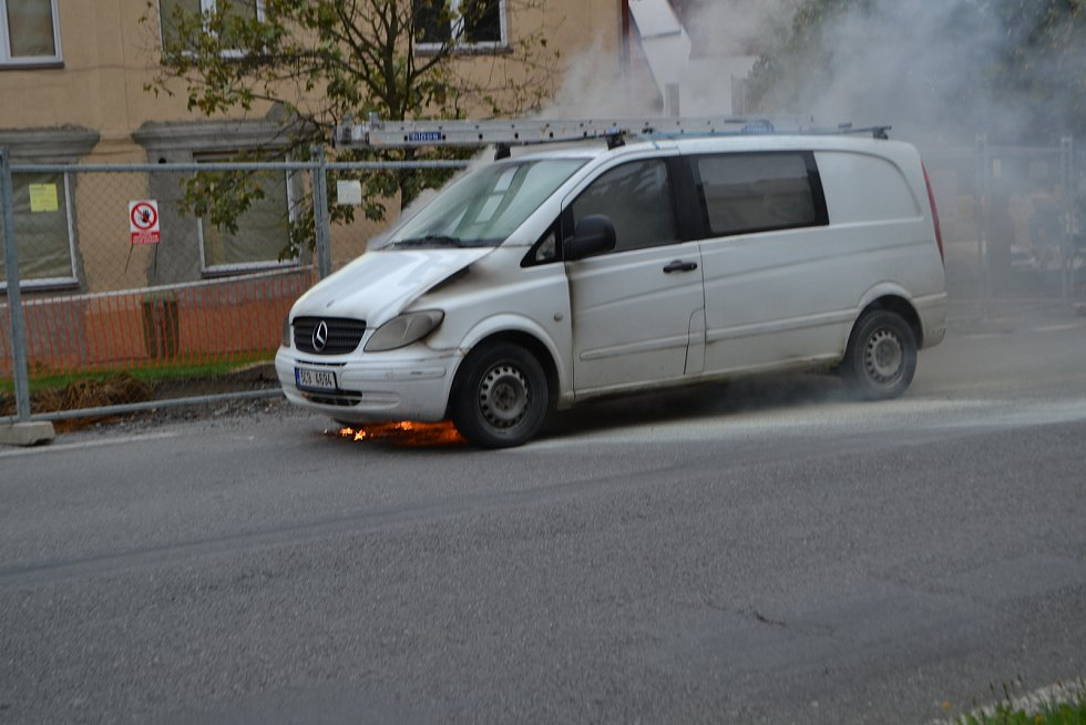 Požár dodávky v Mladé Vožici.