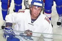 Jozef Lukáč míří za hokejem do Srbska.