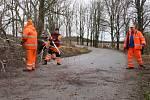 Silný vítr v pondělí 10. února přinesl na Táborsko déšť a zatopil silničářům. Průtrž se strhla po 8. hodině také přímo v Táboře, voda se valila přes silnici v Měšicích, silnice na Turovec je v obou směrech uzavřena. K zemi Sabine poslala i statnou břízu u