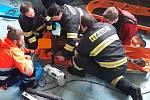 V obci Svrabov v úterý 4. února spolupracovali táborští hasiči se záchranáři při záchraně zraněného muže.
