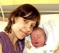 NELA ŠERPÁNOVÁ Z ŘEVNOVA. Narodila 7. dubna ve 20.52 hodin jako  první dítě rodičů Markéty a Michala. Vážila 3380 g, měřila 52 cm.