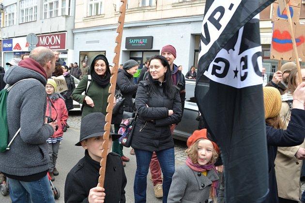 Tábor v sobotu zvládl demonstraci i pochod na jedničku.