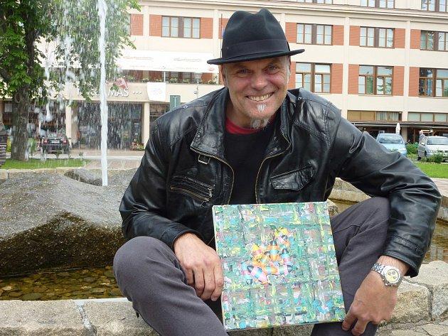 Přestože Roman Franta žije a tvoří v Praze, rád jezdí do svého rodiště, Sezimova Ústí.