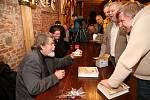 Historik Petr Čornej představil na Housově mlýně svou novou knihu o Janu Žižkovi.