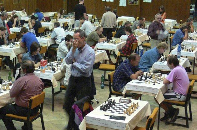 šachy ilustračka