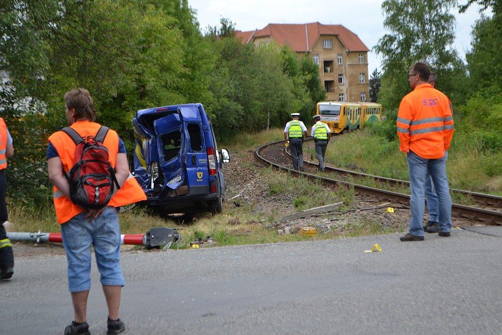 Dopravní nehoda na vlakovém přejezdu v Měšické ulici v Táboře v roce 2017.