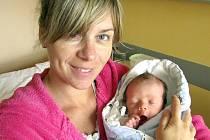 JAN VONDRÁČEK Z DOBRONIC U CHÝNOVA.  Narodil se 12. května v 19.04 hodin. První syn Veroniky a Jana vážil 2970 g, měřil 49 cm.