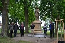 Představení sochy sv. Jana Nepomuckého v Malšicích.