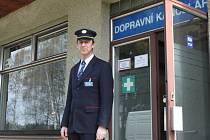 Nad zastávkou dohlíží Petr Trubáček.
