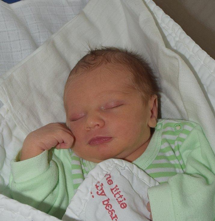 Vítězslav Vítek z Lomu. Rodiče Lenka a Roman se svého prvorozeného syna dočkali 19. května ve 12.53 hodin. Po narození vážil 3120 gramů a měřil 49 cm.