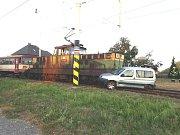 Šedesátiletý řidič Citroenu Berlingo byl převezen do nemocnice.