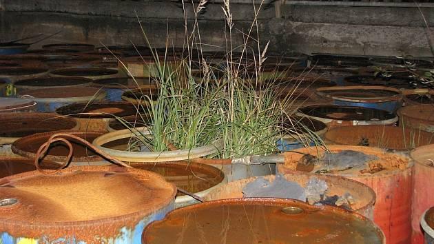 Již přes deset let se Žíšov i stát potýkají s nebezpečným odpadem.