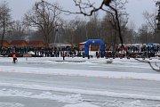 V neděli se v Soběslavi jel závod na ledové ploché dráze.