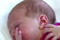 NATÁLIE MACHÁČKOVÁ ZE STARÉ VOŽICE. Narodila 15. dubna ve 3.45 hodin. Vážila 3210 g, měřila 49 cm a má brášku Honzíka (4).