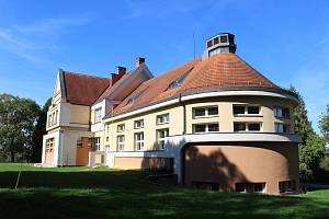 Škole při dětské psychiatrické nemocnici v Opařanech hrozí zánik.