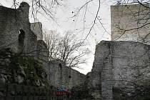 Malebná zřícenina hradu Choustník.