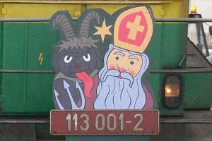 """Tradiční mikulášská """"elinka"""" přijela z Bechyně do Tábora, kde svou sobotní jízdu končila."""