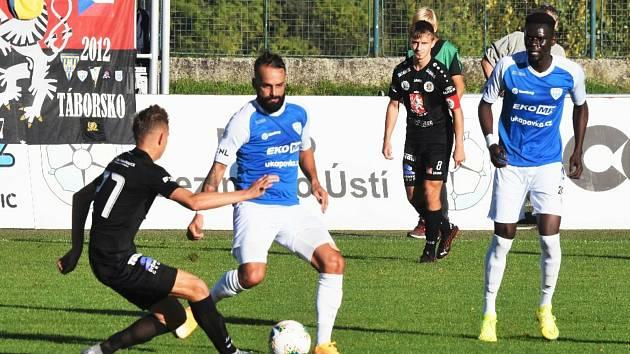 Zatím poslední střetnutí odehráli fotbalisté Táborska před měsícem, kdy se rozešli smírně s Hradcem Králové. Už v tomto týdnu mohou znovu vyrukovat do boje.