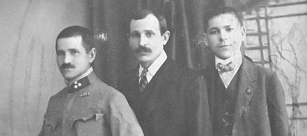 SOUROZENCI. Do války musel jen nejstarší ze sourozenců František (první zleva). Byť jako jediný měl už rodinu.