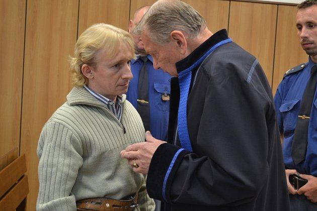 Krajský soud Tábor začal v pondělí hlavní líčení ve věci vraždy. Obžalovaný je Karel Přibyl.