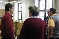 Martin Šanda (na snímu vlevo) s rodiči.