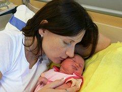 ZUZANA STEINEROVÁ Z TÁBORA. Sourozencům Evě(12) a Matějovi(15) se sestřička narodila 25. října v 11.06 hodin s váhou 3010g a mírou 48cm.
