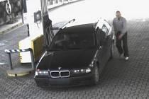 Natankovali do BMW, ale neplatili.