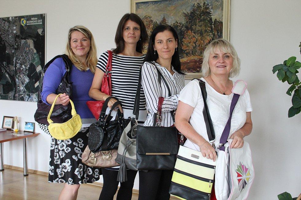 Nové dárkyně: (zleva) Petra Nedvědová, Helena Krejčí, Edita Jelínková a Ludmila Svatková.
