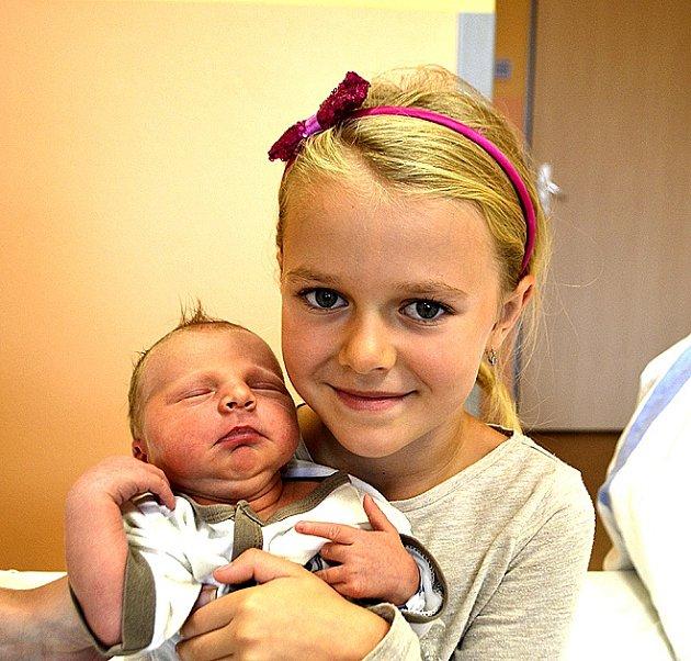 Matyáš Čáp z Veselí nad Lužnicí. Narodil se 16. října v 9.27 hodin jako druhé dítě v rodině. Vážil 3710 gramů, měřil 51 cm a má  sestřičku Natálku.