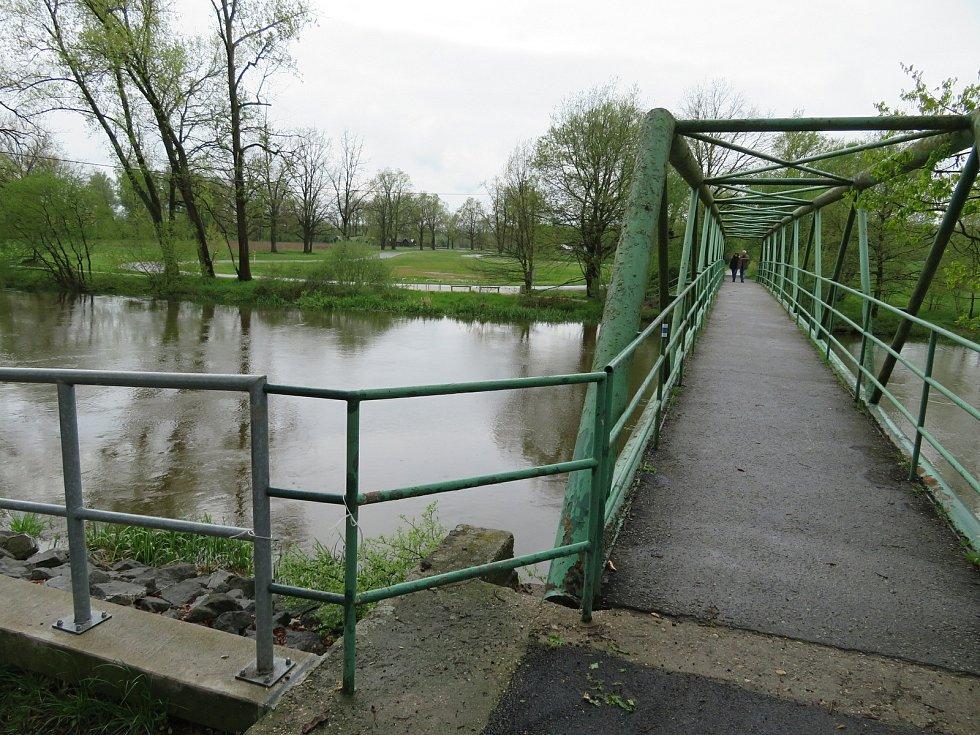 Lužnice, Nežárka a Černovický potok na Táborsku v pátek 14. května.