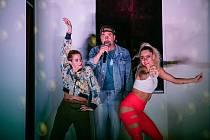 Skvělé komedie i výstavy si vychutnají návštěvníci táborského divadla v dubnu.
