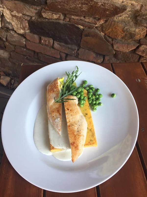 Jídla, která v soběslavské pizzerii Rosa vznikala pod dohledem šéfkuchaře Jana Horkého.