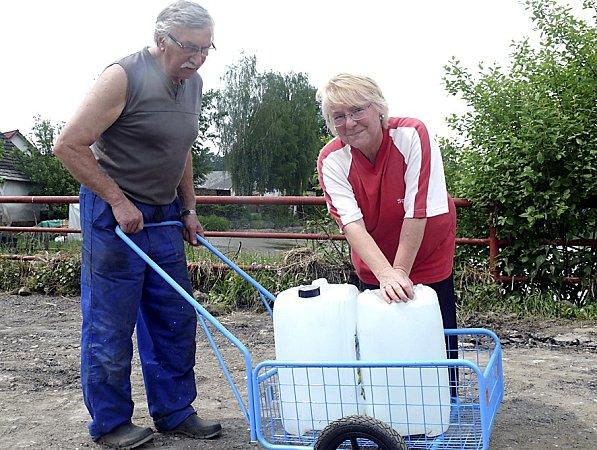Manželé Koubovi skončili bez vody ielektřiny.