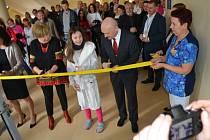 Nové dětské oddělení ve čtvrtek slavnostně otevřela táborská nemocnice.