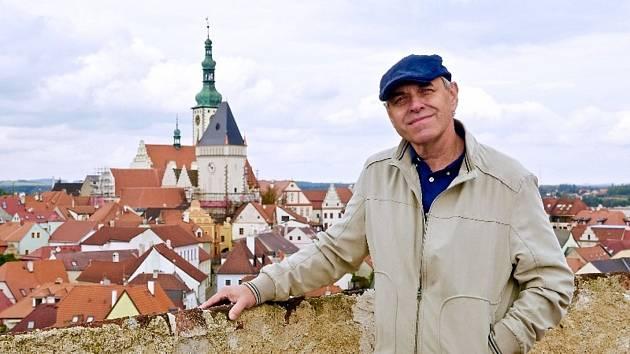 Dokumentárním filmem Tábor – sen, město, symbol v režii Víta Bělohradského provede diváky oblíbený herec Miroslav Táborský.