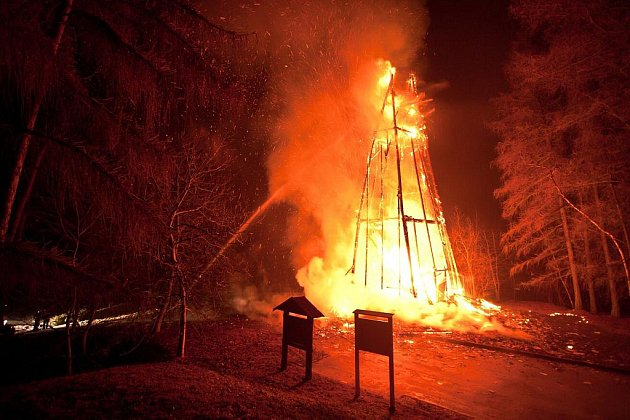 Požár rozhledny Hýlačka.