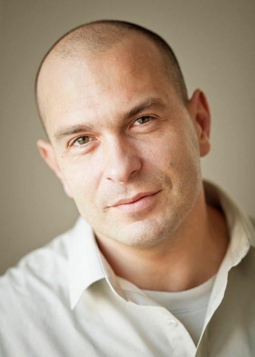 Ředitel školy Martin Procházka.