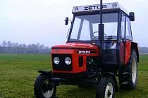 Traktor Zetor 6718. (Ilustrační foto)