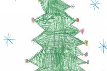 VÁNOČNÍ STROMEČEK. Adéla Pejšová, která se letos stala prvňačkou, nám nakreslila, jak u nich doma vypadá  ozdobený vánoční stromeček. Přidala také několik dárků, které pod ním nikdy nechybí.