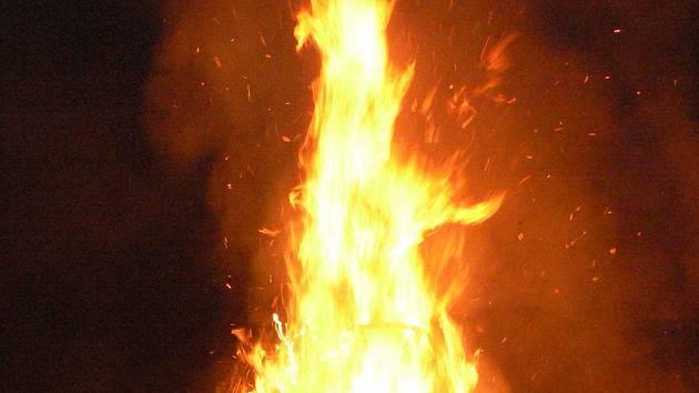 Rozpálená vatra