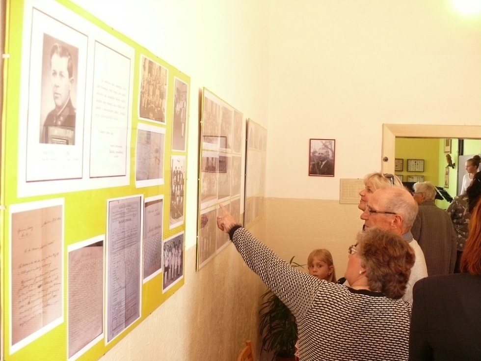 Ve Skalici otevřeli novou expozici historické školy a obecní knihovnu