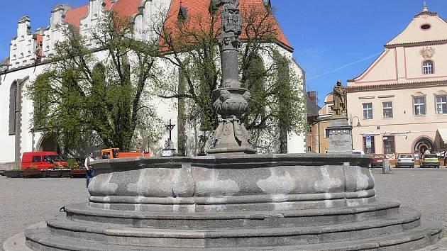 Žižkovo náměstí oceněnému Táborákovi letos nezatleská