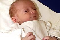 DAMIÁN ROKOS Z MĚŠIC. Prvorozeného syna se rodiče Andrea a Michal dočkali 22. června ve 21.53 hodin. Vážil 2920 g a měřil 50 cm.