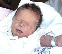 NIKOLAS LUTOVSKÝ Z BECHYŇSKÉ SMOLČE. Narodil se 27. října ve 2.30 hodin s váhou 3220 g a mírou 49 cm. Má sestřičku Barborku (3).