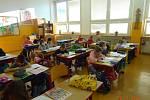 Školáci prvních a druhých tříd jsou zpět, dočkala se jich i ZŠ Helsinská v Táboře.